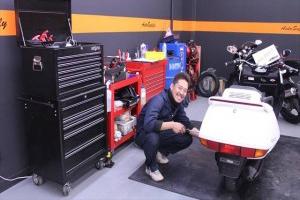 納車整備・点検・修理に至るまで専用スペースにてきっちり仕事します!!